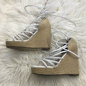White Cage Wrap Wedges